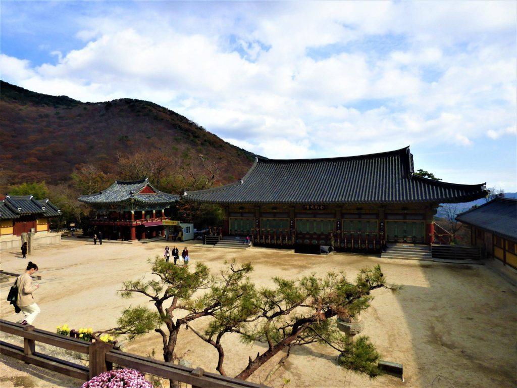 beomeosa temple busan itinerary